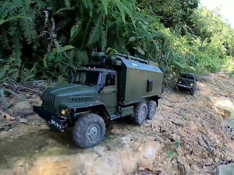 [RC crawler] Jungle Adventure of RC Military Truck